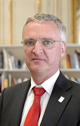 Director General: Tim de Zeeuw