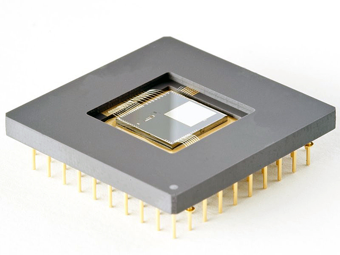Programmable ultra-fast Micro Mirror Array for optical microscopes.