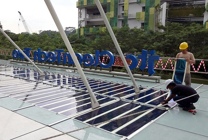 The further-developed HeliaFilm installation on Singapore's Cleantech II roof.