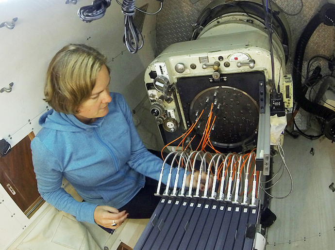 Amanda Bauer configuring the SAMI instrument for a night of observing with the AAT.