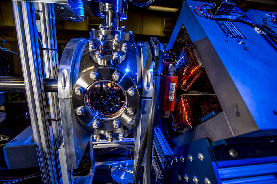 X-ray source: where electrons and laser beam collide