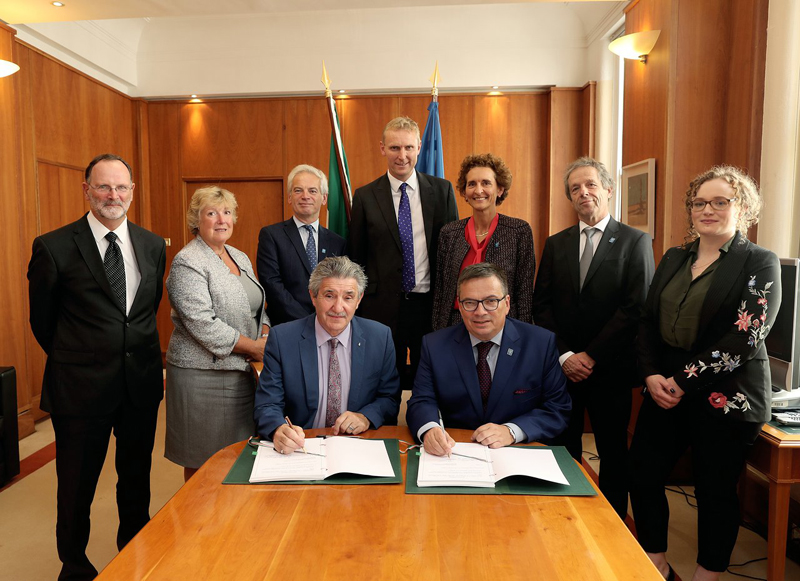 The Irish Accession Agreement being signed in Dublin.
