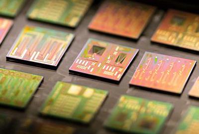 Photonic chips.