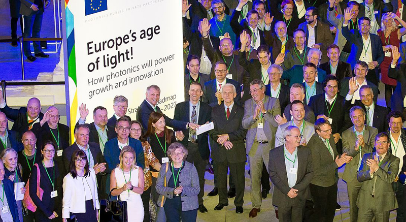 Photo call: Some of the 3000 members of Photonics21 gathering at last week's AGM, at Brussels' Musées Royaux des Beaux Arts (center front is keynote speaker Prof Gérard Mourou, Nobel Laureate in Physics).