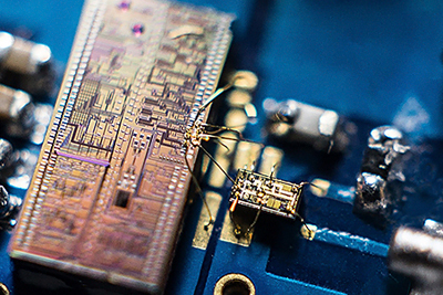 The detector combines a silicon photonic chip with a silicon micro-electronics chip.