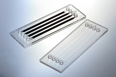 A thulium fiber laser achieves the welding of microfluidic components.
