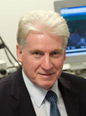 沃尔特·约翰斯通教授。