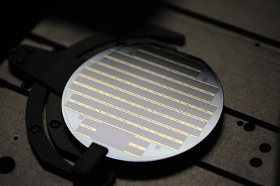 Semiconductor wafer featuring multi-junction cells
