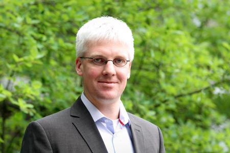 Prize-winner: Christian Koos' work focuses on hybrid integration methods.