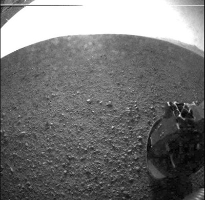 Curiosity: first images from the Martian surface