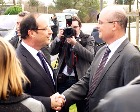 French President François  Hollande meets Eric Mottay, CEO of Amplitide Systèmes.