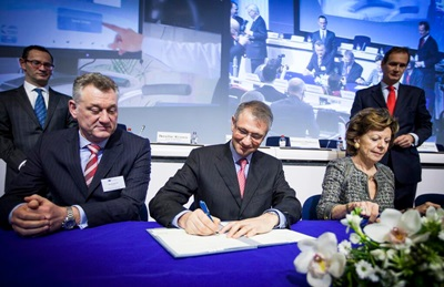 Signed and sealed: the photonics PPP