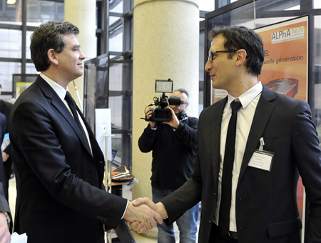 Arnaud Montebourg, Industry Minister, meets Amplitude's Vincent Rouffiange.