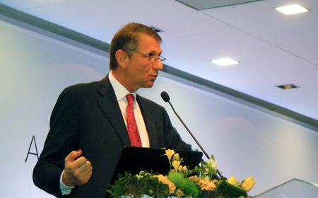 Giorgio Anania: Invest In Photonics 2014 Chairman.