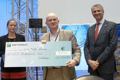 Winner: James Regan (center) CEO of Effect Photonics.