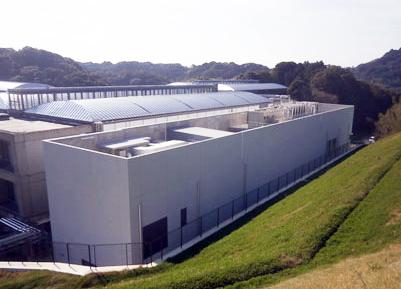Hamamatsu's new laser irradiation building in Japan.