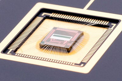 Embedded sensor: CCD plus CMOS benefits