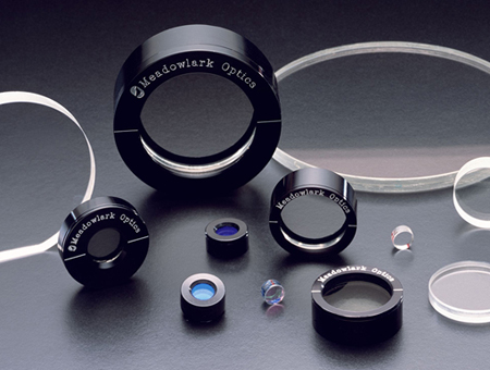 Meadowlark manufactures a variety of polarisation optics.