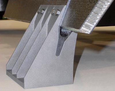 Space-ready: Robust titanium brackets.