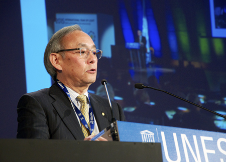 Steven Chu, Professor of Humanities & Sciences and of Molecular & Cellular Physiology at Stanford University.
