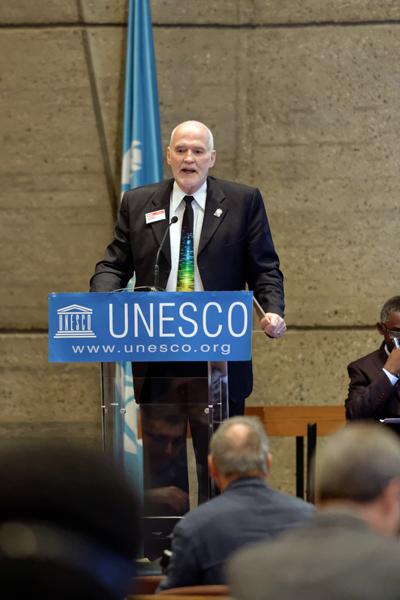 IYL champion Dr. Eugene Arthurs, Executive Director SPIE, addresses UNESCO.