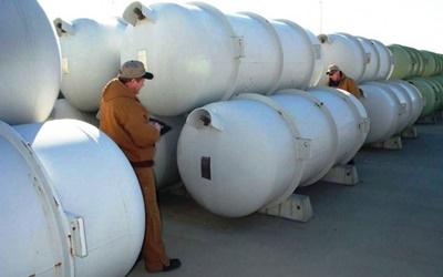 Uranium stockpile: ready for laser re-enrichment?