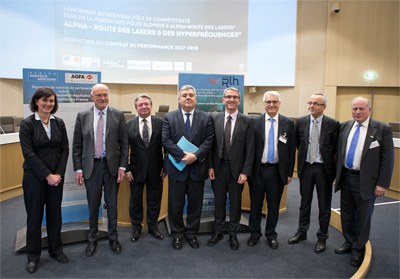 Alphaville: Route des Lasers and Elopsys directors at the signing agreement.