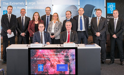Participants in the ELT contract signature ceremony at ESO headquarters in Garching.