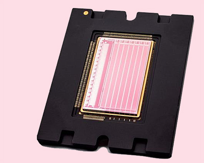 Packaged prototype of a multispectral TDI image sensor with 7 bands.
