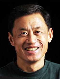 Professor Qing Hu.