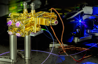 Stable polarization entangled photon source for quantum key distribution.
