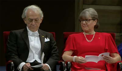 Gérard Mourou and Donna Strickland receive their 2018 Nobel Prize in Physics.
