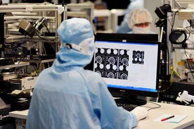 Automated optical VCSEL inspection at Philips Photonics