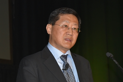 Plenary speaker Stephen Hsu